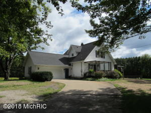 632 E Mt Garfield Road, Norton Shores, MI 49441