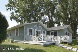 46944 Meadow Lane, Decatur, MI 49045