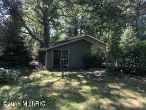 6985 124th Avenue, Fennville, MI 49408