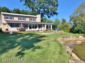 7649 W Royal Road, Canadian Lakes, MI 49346