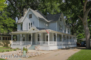 Property for sale at 414 W Bridge Street, Plainwell,  MI 49080