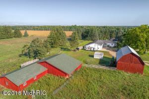 6861 160th Avenue, Stanwood, MI 49346