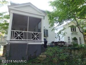 560 Mill Street, Saugatuck, MI 49453
