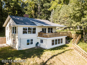 5350 Guernsey Lake Road, Delton, MI 49046