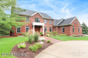 2109 Winding Oak Trail NE, Ada, MI 49301