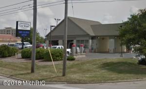 5303 Portage Road, Kalamazoo, MI 49002