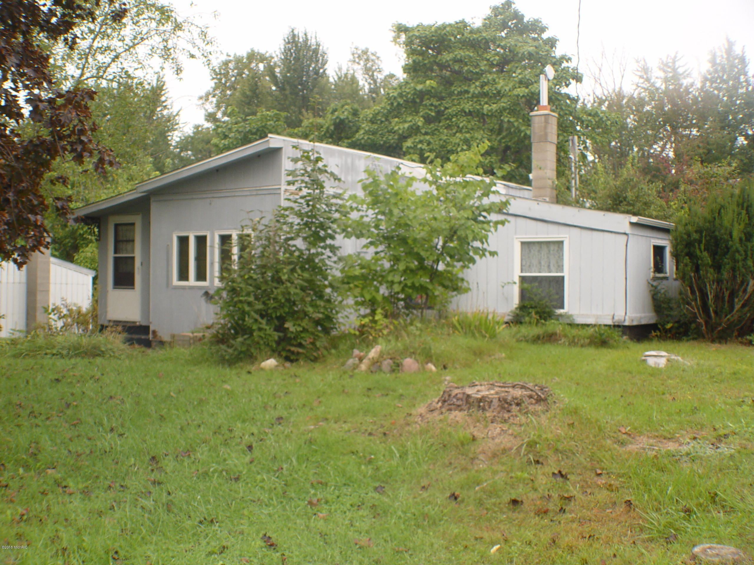 2641 Lower lake Road, Hastings, MI 49058