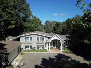705 E Oak, Fremont, MI 49412