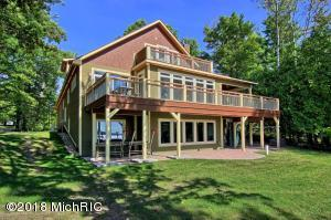 9403 N NORTH LONG LAKE RD Road, Traverse City, MI 49685