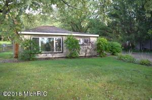 8634 N Riverview Drive, Kalamazoo, MI 49004