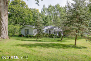 43203 Maple Avenue, Bangor, MI 49013