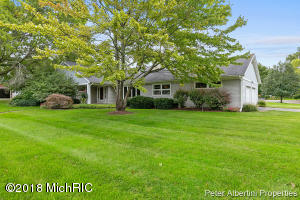 2816 Bonnell Avenue SE, East Grand Rapids, MI 49506