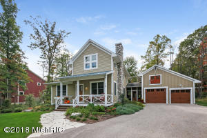 109 West Shore Woods, Douglas, MI 49406
