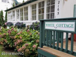 2165 Ninth Street, White Cottage