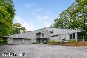 4690 Valleywood Court, Holland, MI 49423