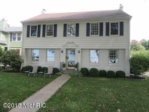 Home Features Views of Lake & Lighthouse! Walking Distance to Beach & Town!