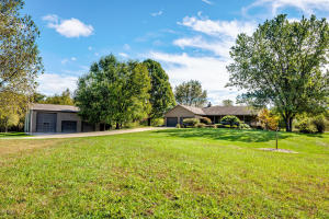 9235 Garr Road, Berrien Springs, MI 49103