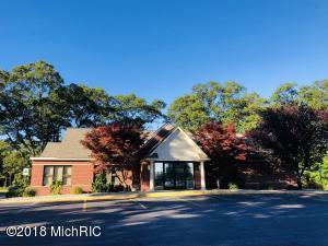 268 Seminole Road, Norton Shores, MI 49444