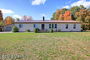 2085 N Poplar Avenue, White Cloud, MI 49349