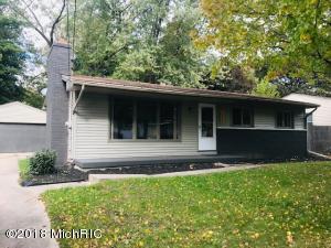 1225 Travis Street NE, Grand Rapids, MI 49505
