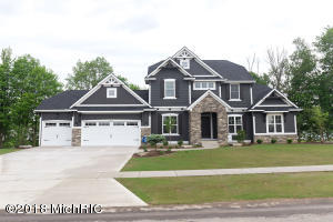 77 Lakeside Drive SE, Grand Rapids, MI 49506