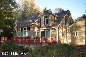 4410 Fox Farm Road, Manistee, MI 49660