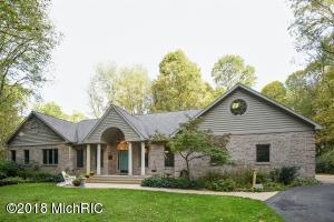 9344 Park Ridge Trail, Berrien Center, MI 49102