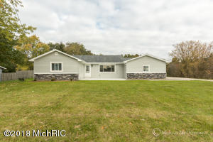 1439 144th Avenue, Dorr, MI 49323