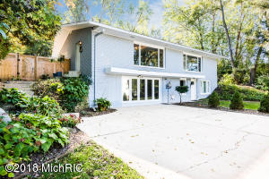 8180 Kephart Lane, Berrien Springs, MI 49103