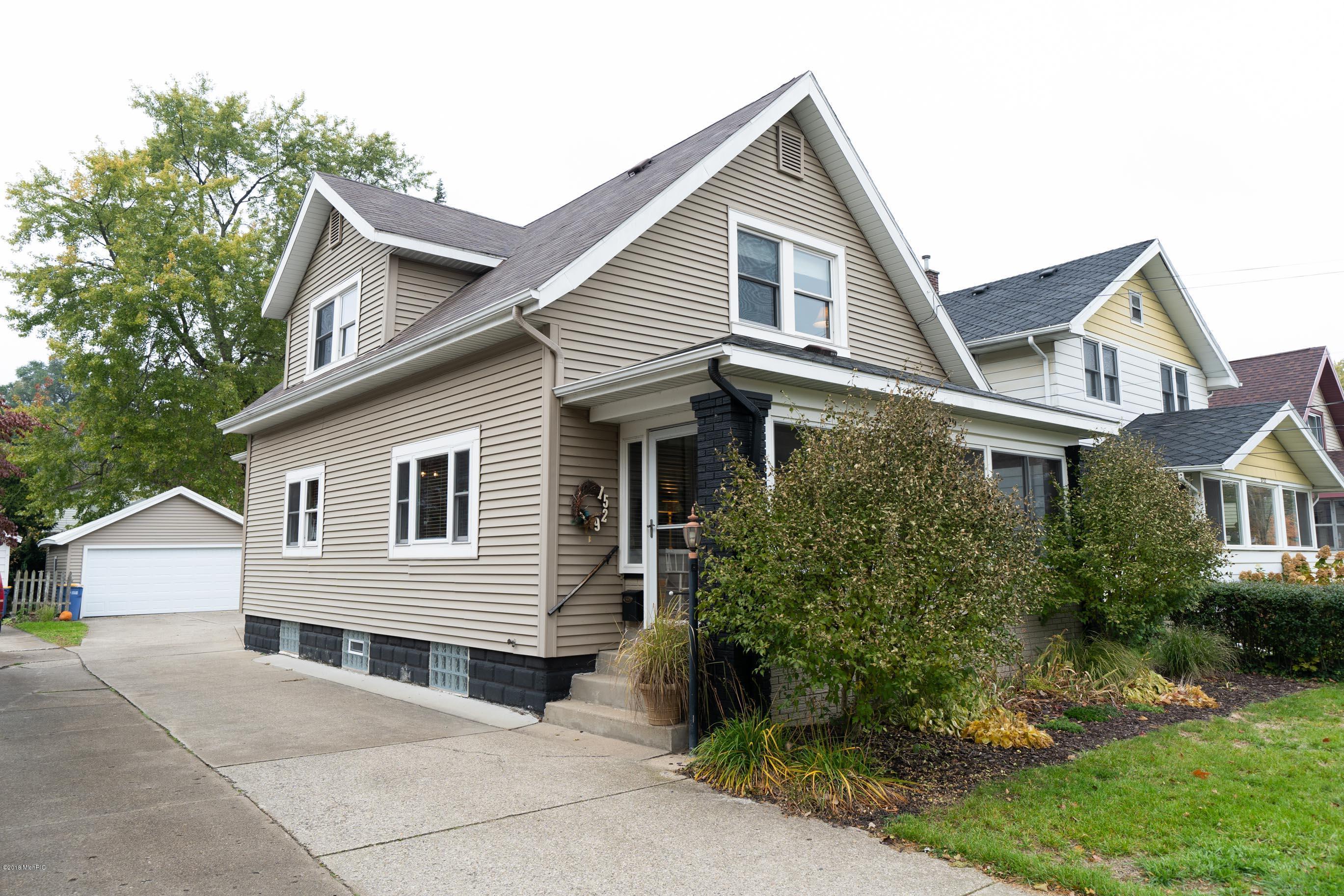 1529 Pine Avenue NW, Grand Rapids, MI 49504