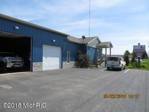 978 US Highway 31, Scottville, MI 49454