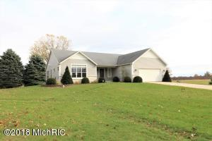 92637 CR 687, Hartford, MI 49057