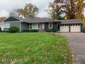 This a well maintained 2 bedrooms 2 1/2 bath ranch style, Completed remodeled on the main floor. New roof,6 years old heating system. Basement is not finished, but it is ready to be finished.Easy to show.