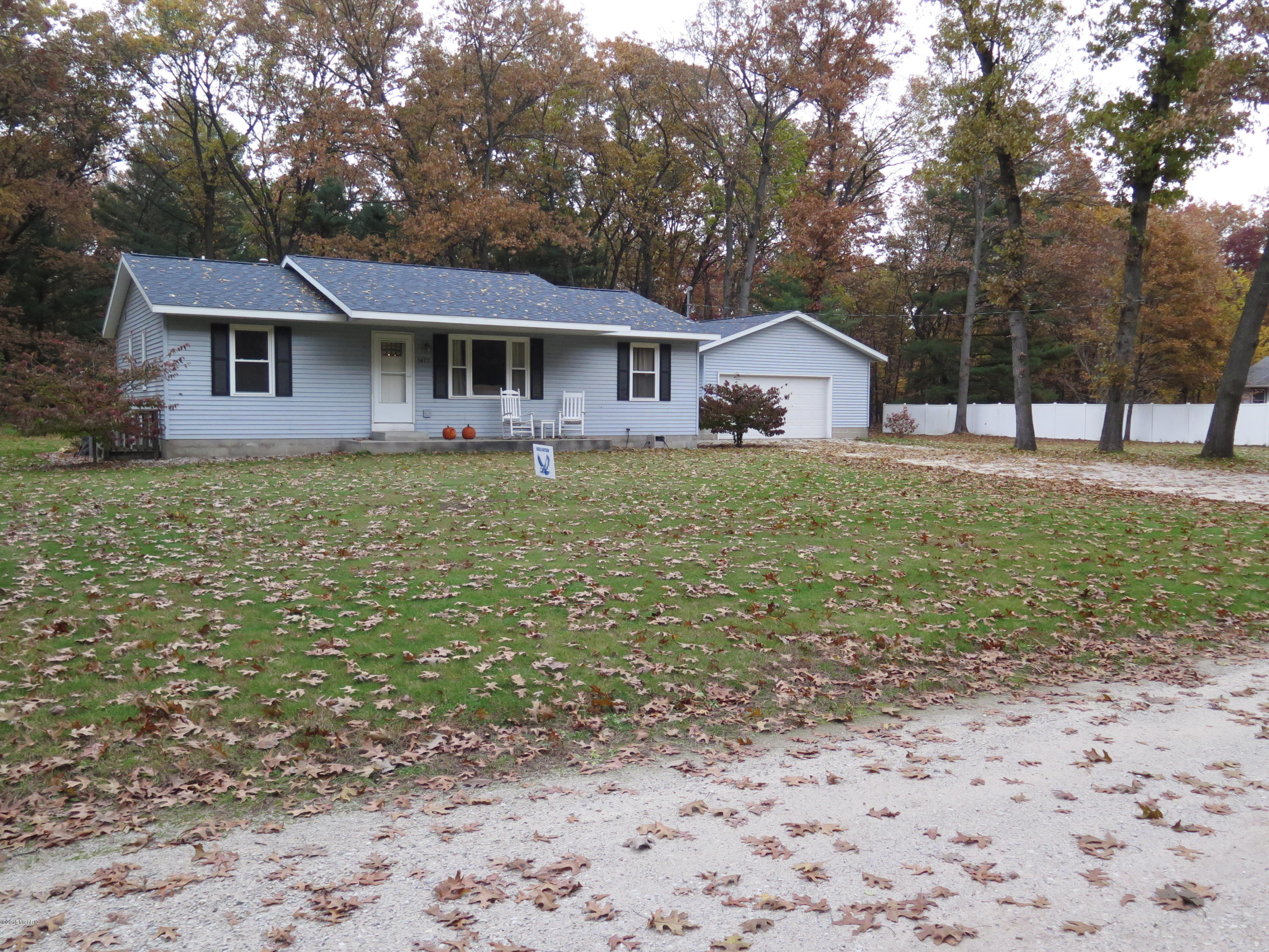 1477 S Wolf Lake Road, Muskegon, MI 49442