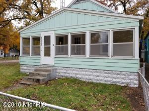 1099 Gordon Street, Muskegon, MI 49442