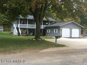 1775 N Lakeview Drive, Mears, MI 49436