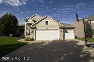 8531 Twin Lakes Drive, Jenison, MI 49428