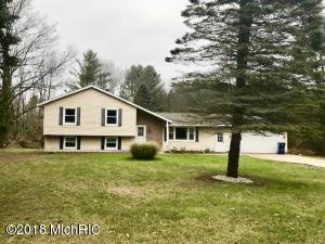 8301 Valley Forge Drive, Cadillac, MI 49601