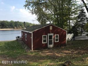 166 S Emerson Lake Drive, Country House, Branch, MI 49402