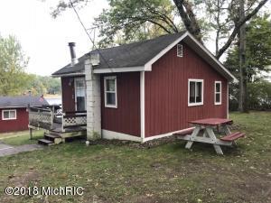 166 S Emerson Lake Drive, Americana, Branch, MI 49402