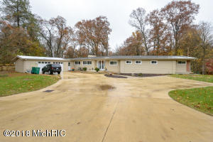Property for sale at 224 Wahwahtaysee Way, Battle Creek,  MI 49015