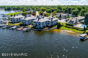 400 Lakeview Court, 37, Spring Lake, MI 49456