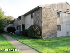 5400 Maple Ridge Road 11, Haslett, MI 48840