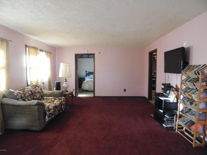 1161 Croton Drive, Newaygo, MI 49337