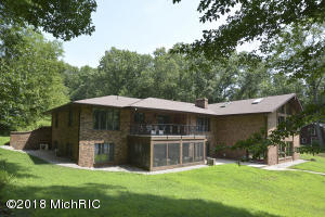 25573 8th Avenue, Gobles, MI 49055