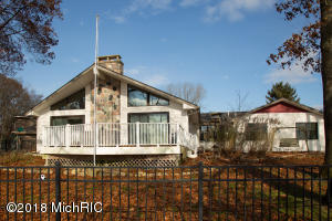 957 Treasure Island Drive, Mattawan, MI 49071