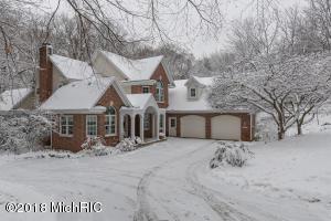 1345 White Oak, Kalamazoo, MI 49008