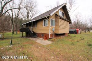 4275 W Maple Drive, Grant, MI 49327