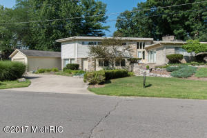 141 Lynwood Drive, Battle Creek, MI 49015