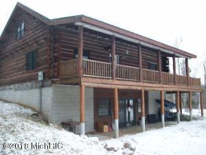 9334 S Deer Lake Road, Reed City, MI 49677